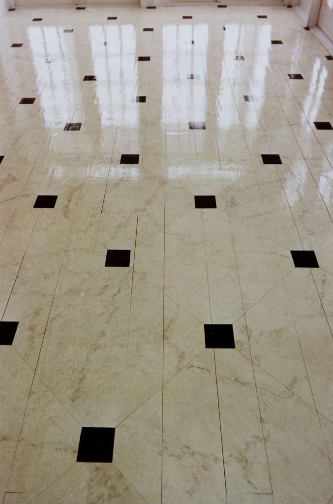 Parquet imitaci n marmol flora pintura decorativa for Suelo imitacion marmol